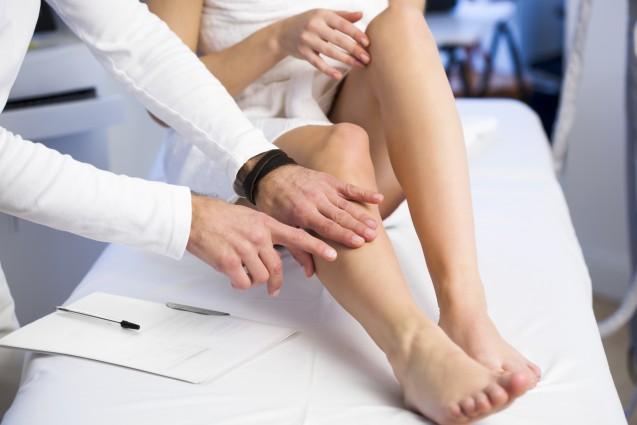 huzursuz-bacak-sendromu-tedavisi.jpg